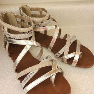 SO brand gladiator sandals size 9.5 w